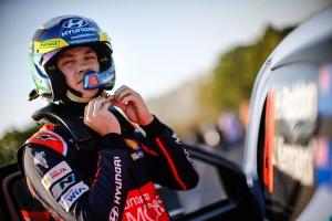 Hayden Paddon Hyundai Shell WRT.jpg