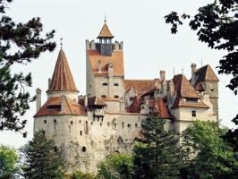 castelul bran transilvania romania.jpg