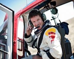 felix baumgartner red bull sporturi extreme 2012.jpg