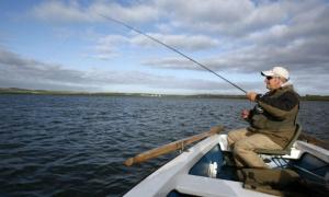 pescuit din barca.jpg